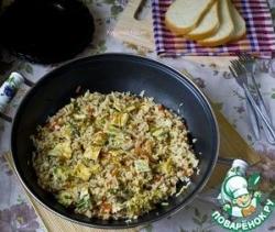 Рис со свининой, овощами и омлетом