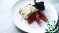 Картофельный рулет с колбасой и сыром