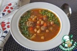 Томатный суп с фрикадельками и нутом