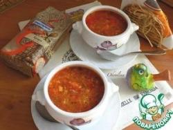 Томатный суп с киноа и пекинкой
