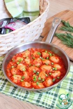 Клёцки фасолевые в томатном соусе