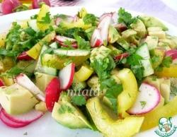 Салат из авокадо с редисом