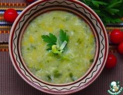 Легкий суп с луком-пореем