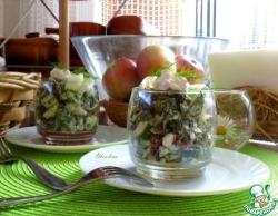 Салат с мангольдом и зернистым творогом