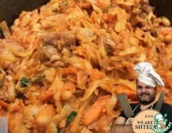 Капуста тушеная с мясом и фасолью