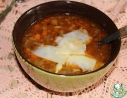 Овощной суп с чечевицей под стружкой из пармезана