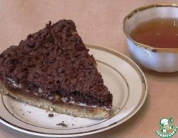 Тертый пирог с вареньем и орехами