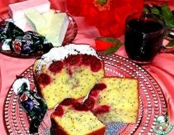 Бисквитный пирог с маком и вишней