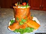 Грибной салат Пенек с опятами и ветчиной и блинами