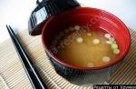 Японский  суп мисо с соевым соусом и тофу