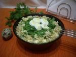 Салат из сыра с чесноком и яйцом