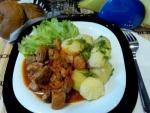 Кулинарный рецепт Гуляш из говядины в мультиварке с фото