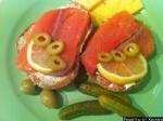 Бутерброды с красной рыбой оформление рецепт приготовления с фото