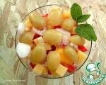 Салат с маринованным виноградом