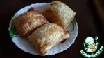 Быстрые пирожки-слойки с вишней