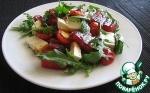 Салат с жареным арбузом, брынзой, помидорами