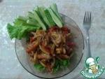 Тёплый салат с курицей и баклажанами