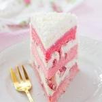 Розовый земляничный торт с домашним маскарпоне в СВЧ