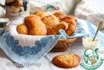 Постные булочки-брецели с пикантным соусом