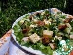 Салат с курицей и ржаными сухариками