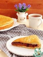 Пирог с вареным сгущенным молоком и смородиной