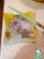 Салат с фунчозой, вешенками и кальмарами